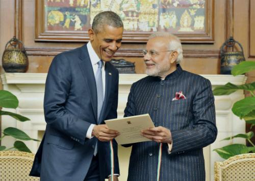 Thủ tướng Ấn Độ mặc áo thêu đầy tên mình khi tiếp Obama