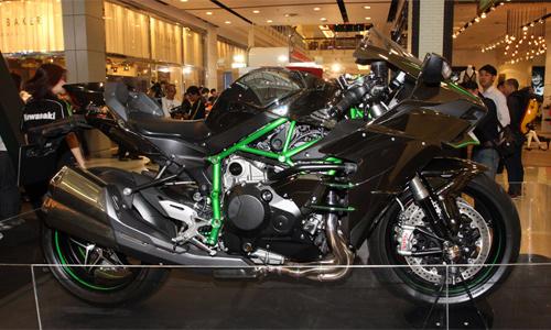 Kawasaki-Ninja-H2-2-6920-1422608399.jpg