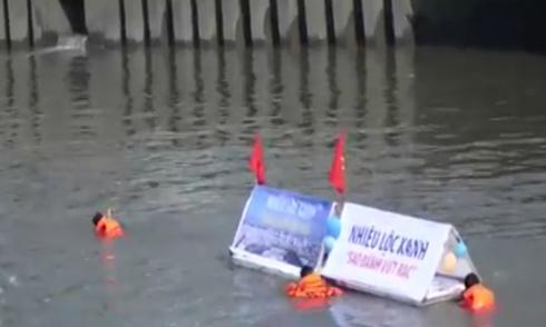 Bơi 6 giờ trên kênh 'đen' Nhiêu Lộc để kêu gọi không xả rác