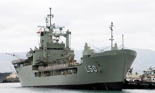tàu HMAS Tobruk của quân đội Australia từng tham gia nỗ lực tìm kiếm và cứu trợ sau siêu bão Haiyan ở Philippines. Ảnh: Wikimedia