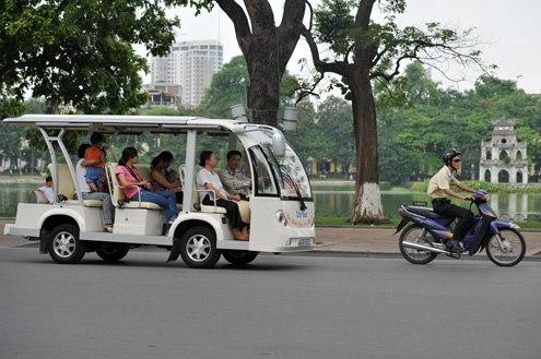 Đề xuất tham quan cầu Nhật Tân bằng ô tô điện