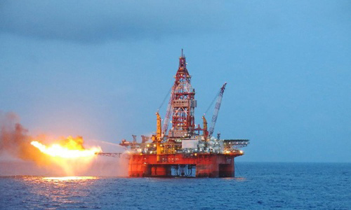 Giàn khoan nước sâu Hải dương 981 của Trung Quốc. Ảnh: Xinhua