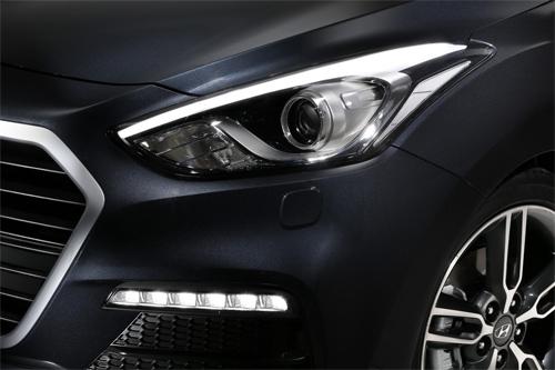 Hyundai-i30-2015-15.jpg