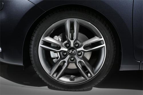 Hyundai-i30-2015-16.jpg
