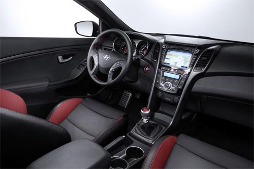 Hyundai-i30-2015-21_1424835891.jpg