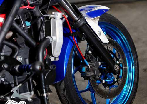 Modifikasi-Yamaha-YZF-R25-Bandung-03.jpg