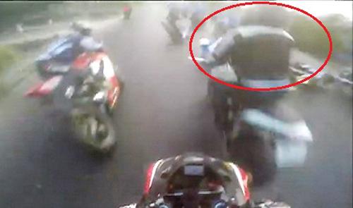 Nam thanh niên tông chết người hộ tống đoàn đua bị tạm giữ