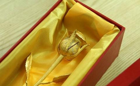 Đại gia mua hoa hồng 250 triệu tặng vợ ngày 8/3 gây xôn xao