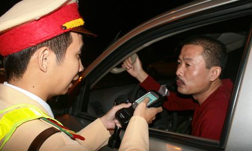 Ông Khuất Việt Hùng: 'Chúng tôi rất muốn hình sự hóa hành vi lái xe say xỉn'