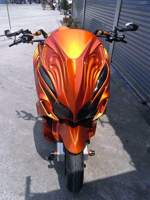 Honda-PCX-X-Speed-11-1764-1425970962.jpg