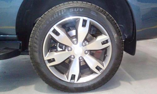 2016-Ford-Endeavour-3-2L-wheel-spied.jpg