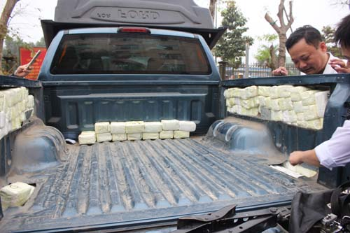 Hành trình phục kích chiếc xe giấu gần 2.500 điện thoại, máy tính bảng