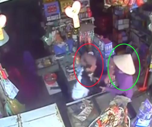 5 2056 1426298393 Video trộm xô ngã chủ tiệm cướp 25 triệu gây chú ý nhất cộng đồng