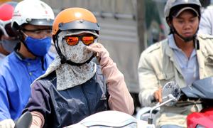 Người Sài Gòn trong nắng gắt đầu mùa