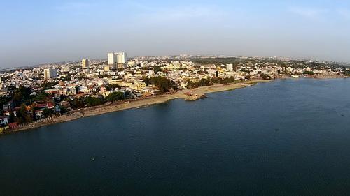 Toàn cảnh dự án lấn sông nhìn từ trên cao. Ảnh: Hoàng Trường