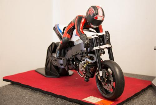Một mẫu môtô điều khiển từ xa đắt tiền.