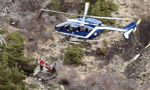 Công tố viên: 'Cơ phó chiếm kiểm soát, chủ định cho máy bay rơi'
