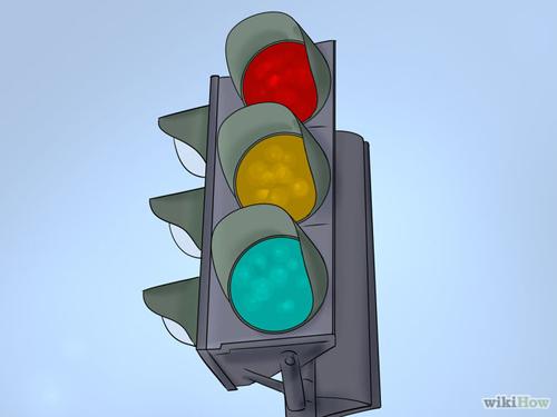 670px-Be-Safe-at-Traffic-Light-7591-2454