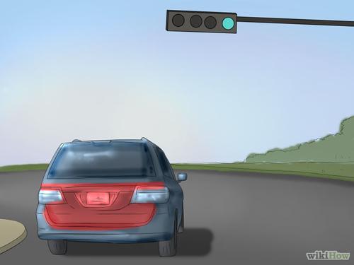 670px-Be-Safe-at-Traffic-Light-8059-2546
