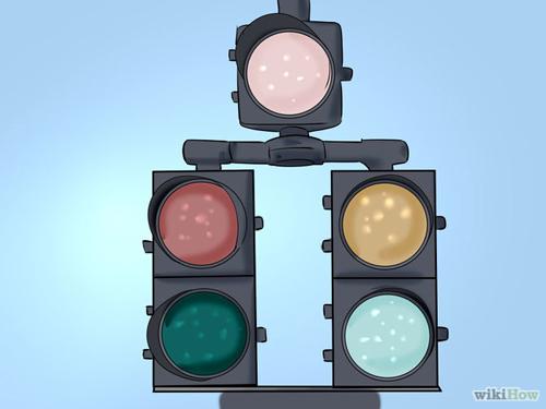 670px-Be-Safe-at-Traffic-Light-9299-7744