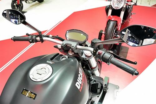 Ducati-Monster-821-6.jpg