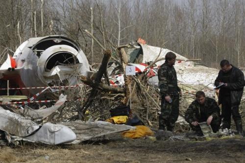 Hiện trường tai nạn máy bay chở tổng thống Ba LanLech Kaczynski hồi năm 2010. Ảnh: AP