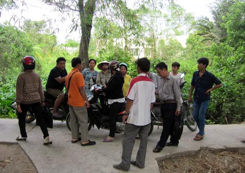 Nam sinh lớp 9 bị đâm chết trước cổng trường
