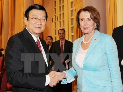 Chủ tịch nước Trương Tấn Sang tiếp Đoàn đại biểu Quốc hội Hoa Kỳ do bà Nancy Pelosi, Lãnh đạo phe thiểu số Hạ viện Hoa Kỳ dẫn đầu. (Ảnh: Nguyễn Khang/TTXVN)