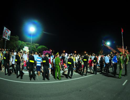 Đôi nam nữ gây rối trong lễ kỷ niệm của Bình Định