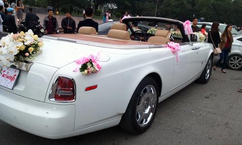Phantom-Drophead-Coupe-2-4089-1428544102