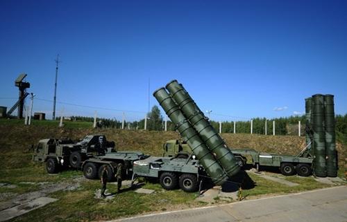 Trung Quốc là nước đầu tiên mua tên lửa hiện đại S-400 của Nga