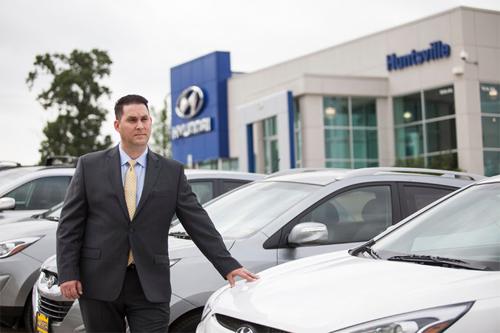 bán ôtô qua mạng xã hội - nên hay không
