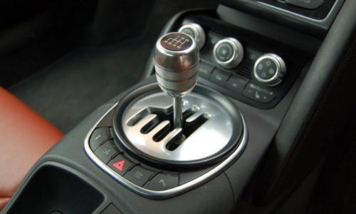 R8 Manual 8761 1429070502 Kinh nghiệm lái xe số sàn
