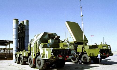 Hệ thống phòng không 'Rồng lửa' S-300 của Nga