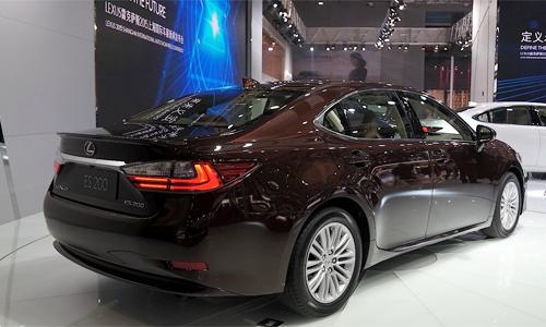 Lexus-ES-200-6.jpg