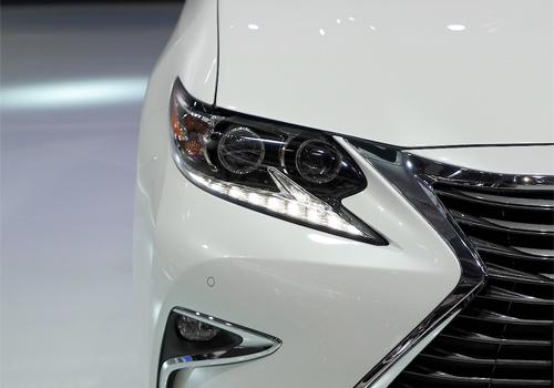 Lexus-ES-300h-4.jpg