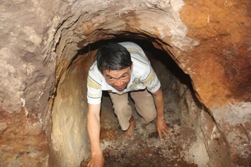 Miệng địa đạo nơi chị Xáng hy sinh vô tình được người dân phát lộ sau 50 năm bị vùi lấp. Ảnh: Tiến Hùng.