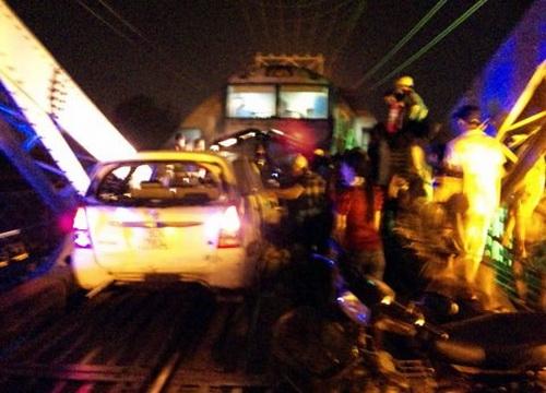 Hiện trường vụ tai nạn trên cầu Ghềnh năm 2011 khiến 2 người chết, 12 người bị thương. Ảnh: Hoàng Trường