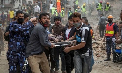 150425130218-nepal-earthquake-4613-9510-