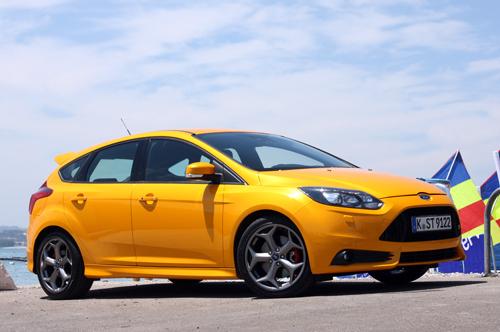 3-Ford-focus-st-fd-1790-1430064803.jpg