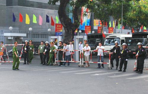 An ninh được siết chặt tại trung tâm TP HCM dịp lễ 30/4