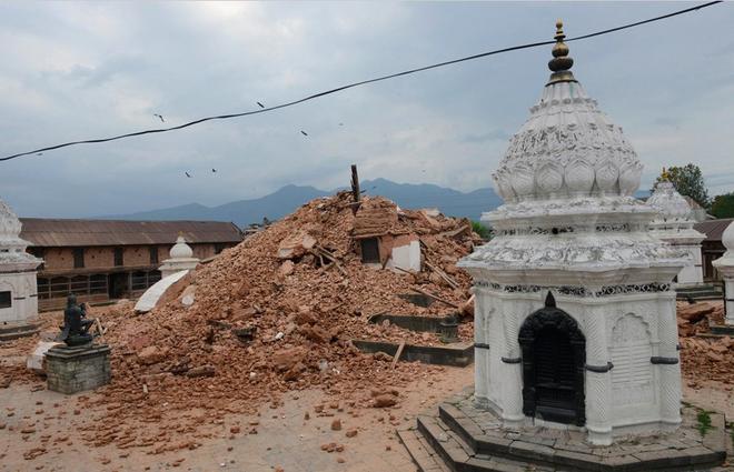 Những di tích bị động đất tàn phá ở Nepal - ảnh 9