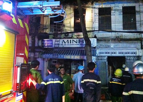 Cháy nhà tại trung tâm Sài Gòn, bé gái 2 tuổi tử vong
