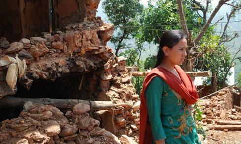 Không chờ cứu trợ, người Nepal tự vực dậy trong thảm họa