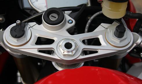 BMW-S1000RR-20.jpg