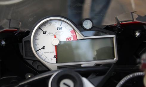 BMW-S1000RR-21.jpg
