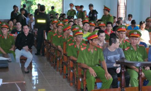 An ninh siết chặt phiên xử 51 giang hồ ở Cần Thơ