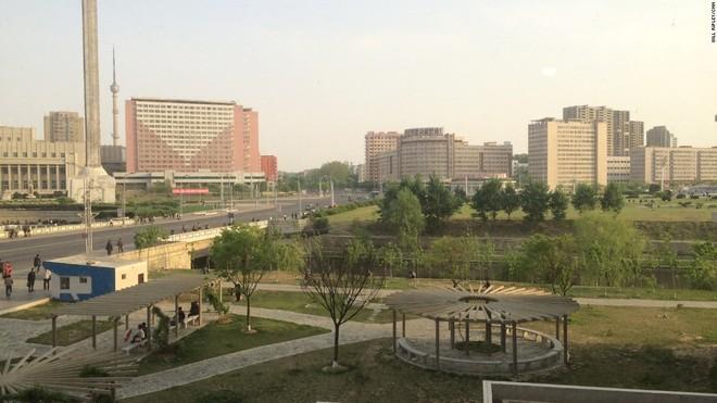 150506105207-ripley-north-korea-housing-