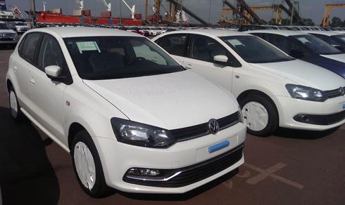 Volkswagen Polo hatchback dat chan den Viet Nam