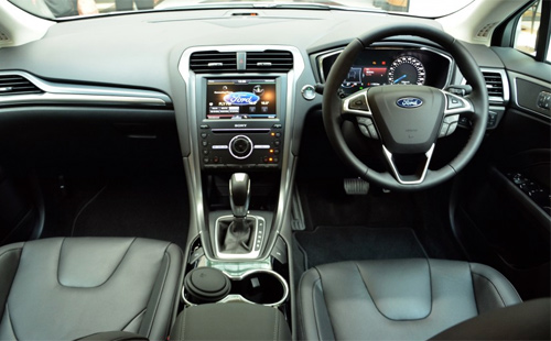 Ford-Mondeo-2015-10.jpg
